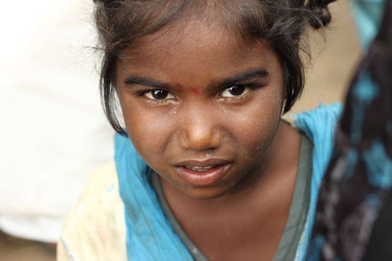 fp_Ind-Beggar-girl.jpg